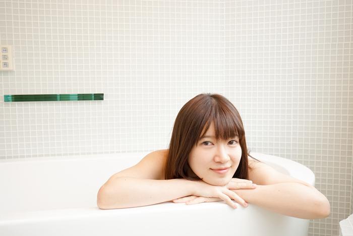 お風呂あがりのタイミングが重要! 効果的な保湿ケアとは?