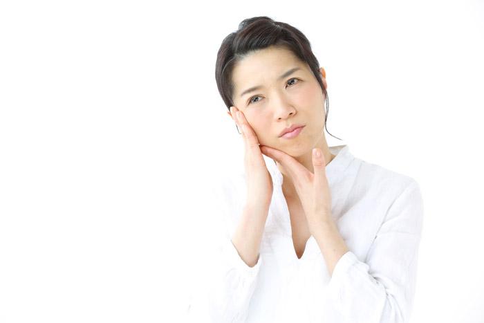 顔のたるみは頭皮から改善! 簡単頭皮マッサージ方法