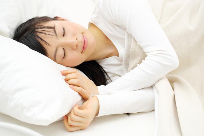 春でも加湿器は必要? 肌のうるおいを守る睡眠時の乾燥肌対策3選