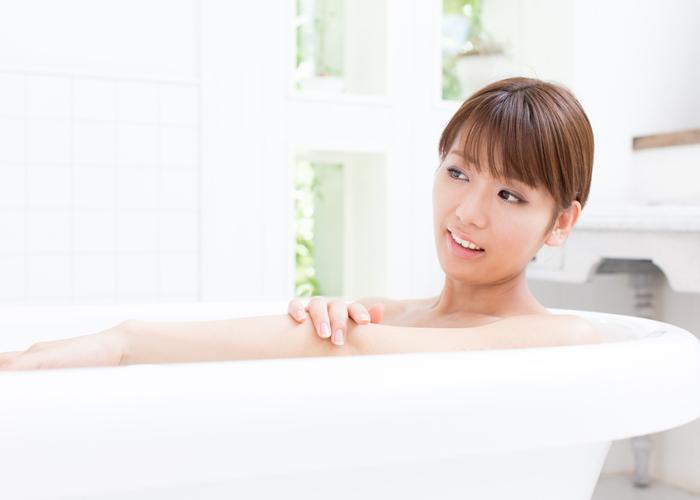 夏の脂性肌を撃退するスキンケア方法
