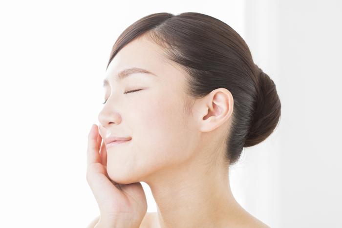肌の潤いを保つためのスキンケア方法