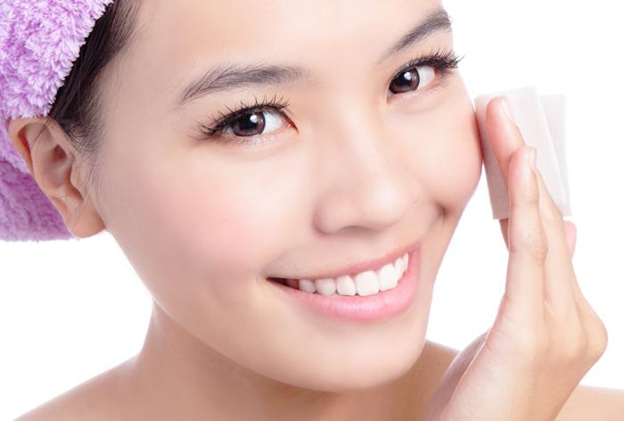 乾燥だけじゃない!顔の皮がむける3つの原因と対策方法