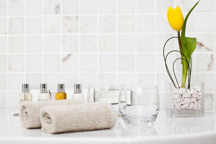 間違った洗顔が乾燥の原因に!潤いを守る洗顔方法とは