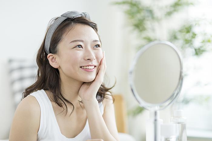 保湿しているのに……寝起きの肌が乾燥する原因って何?