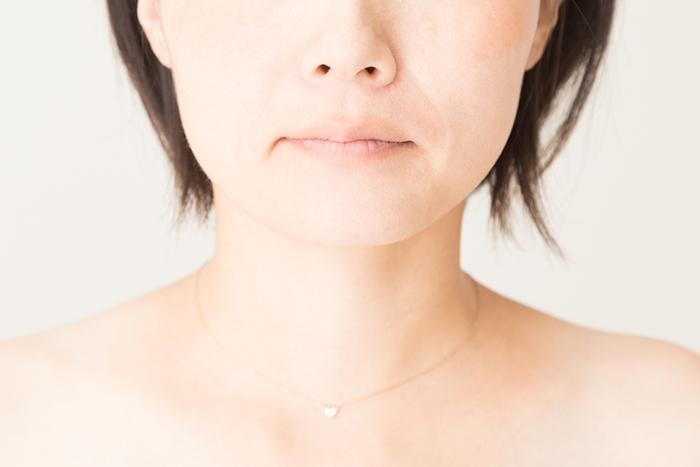 丸顔だとほうれい線が目立ちやすい? 意外な原因と対策方法