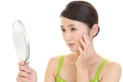 口輪筋がカギ!? ほうれい線の原因&エクササイズ