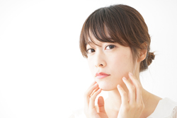 女性なのに濃いあごヒゲが生えてくる……対策ケア&ヒゲの処理方法