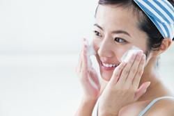 洗顔方法で肌が変わる! 乾燥を感じやすい冬の洗顔ポイント5つ