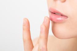 唇の皮剥けにうんざり……うるつやリップを取り戻す3つのケア方法