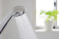 「お風呂で洗顔」には落とし穴がある!? 気をつけたい3つのポイント