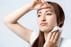 汗が原因で肌荒れ……? 今すぐ始められる対策方法をCHECK!