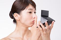 鼻の角栓の正体って? 原因やケア方法を知ってブツブツ解消!