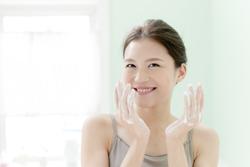 乾燥肌を防ぐ「朝のスキンケア」のポイント