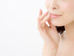 保湿は二度塗りが鉄則! 口周りの粉吹きの原因と対策